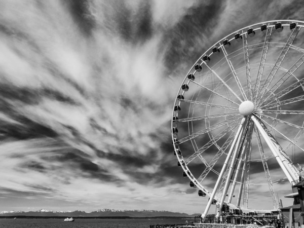 Seattle's new Ferris wheel on the downtown waterfront.